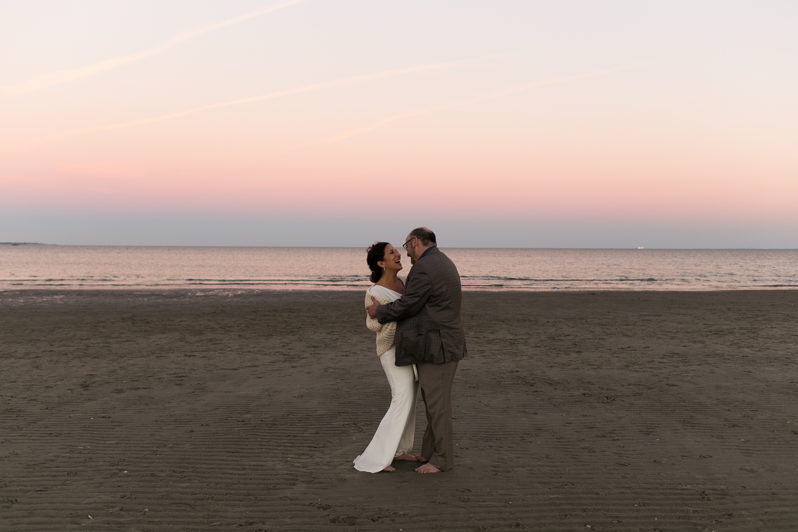 ct beach wedding photos outdside on the beach in ct