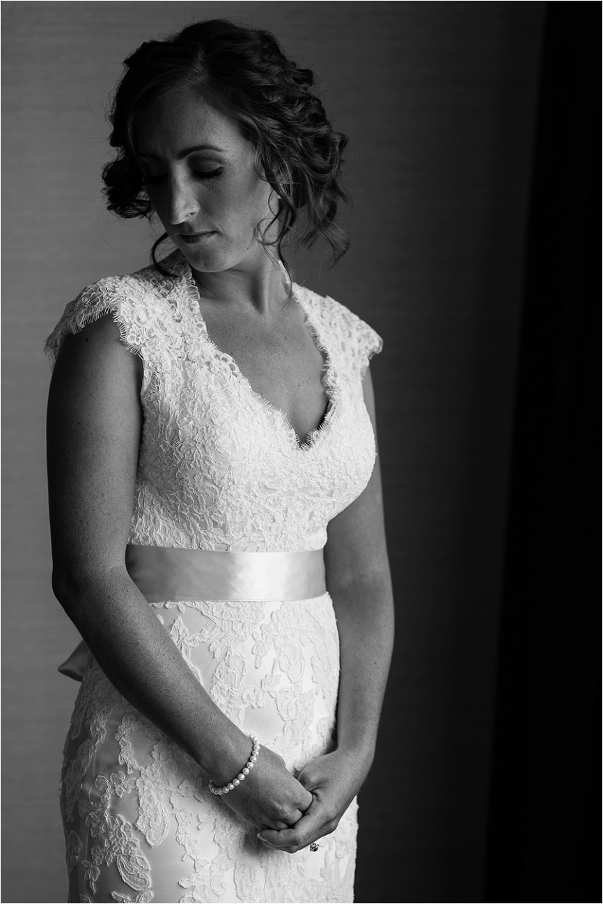 I love taking a few minutes to capture some quiet bridal portraits before the ceremony
